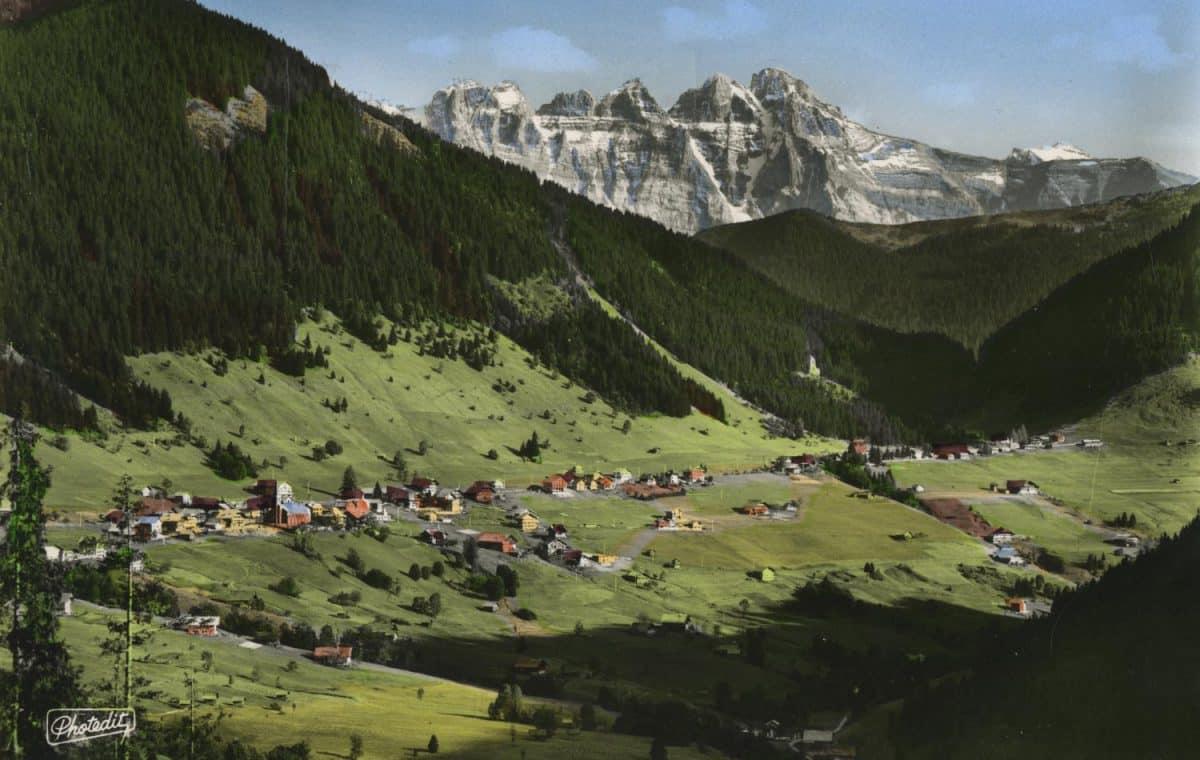 Châtel (1200m). Hte Savoie - Vue panoramique et les Dents du Midi (alt. 3260m) © PHOTEDIT - 1, Boulevard du Pré-Cergues, Thonon-les-Bains, carte datée de 1962