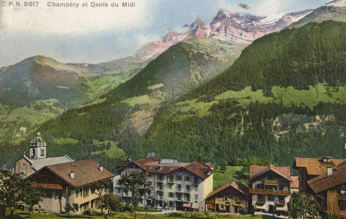 Carte postale. Champéry et Dents du Midi
