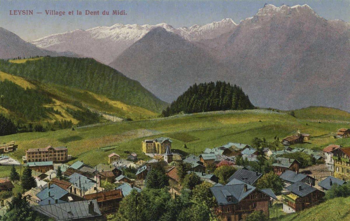 Carte postale. Leysin, village et la Dent du Midi