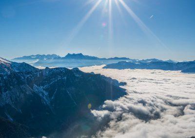 Les-Dents-du-Midi et la mer de brouillard depuis les Rochers-de-Naye