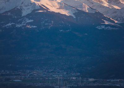 Les Dents-du-Midi et la ville industrielle de Monthey dans le Chablais valaisan