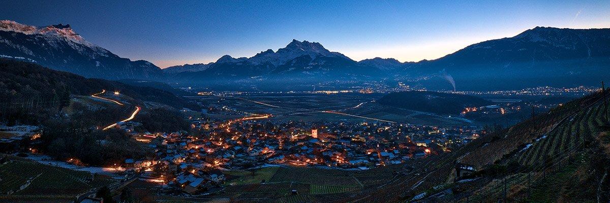 Ollon et les Dents du Midi à l'heure bleue © Fabrice Ducrest