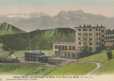 Grand Hôtel des Rochers de Naye et la Dent du Midi (Alt. 2045m.). © Charnaux Frères & Co., Genève