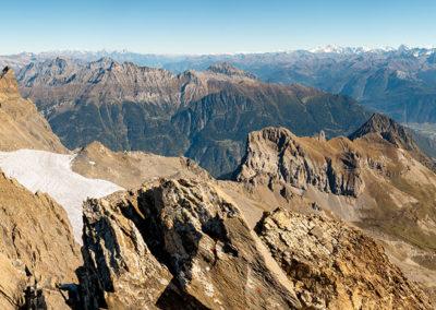 Panorama depuis la Haute-Cime. Vue sur les six autres sommets, le lac de Salanfe et quelques 4000 mètres de nos Alpes