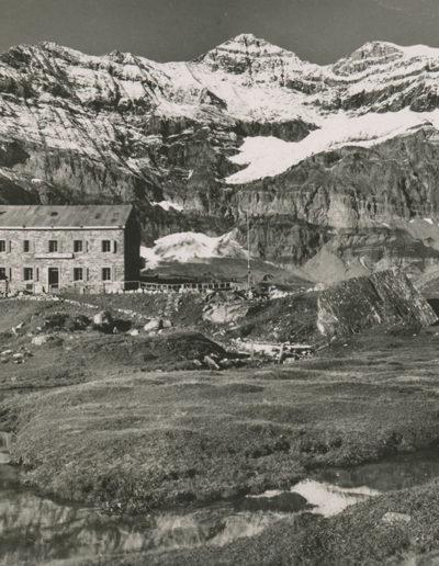 Salanfe 1914m. Hôtel de la Dent du Midi, Tour Sallière, juin 1936