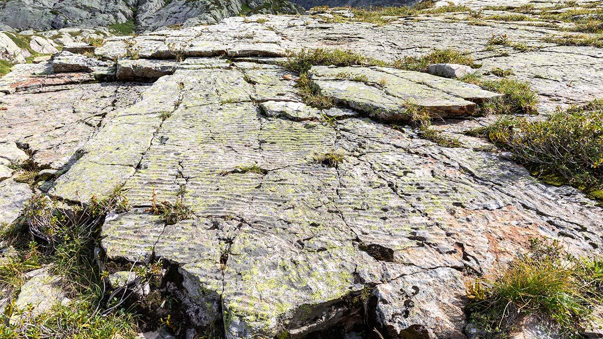 Rides de sable fossiles dans la combe du col d'Emaney à Salanfe