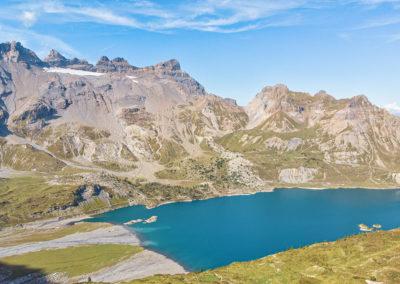 Vue sur le lac de Salanfe et les Dents-du-Midi
