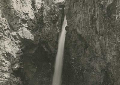 Cascade du Pas d'Encel. © Fonds Boissonnas, Bibliothèque de Genève
