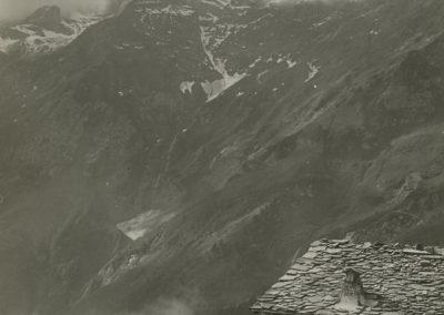 Dents du Midi - Cime de l'Est, vue du chalet de la Crête des Jeurs sur Vérossaz. © Fonds Boissonnas, Bibliothèque de Genève