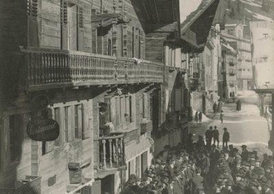 Champéry - L'annonciation, vers 1920. © Fonds Boissonnas, Bibliothèque de Genève