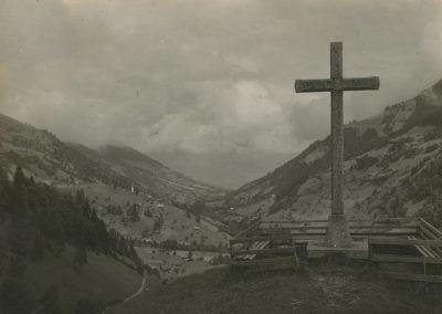Champéry - Le Calvaire, vers 1920. © Fonds Boissonnas, Bibliothèque de Genève