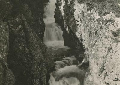 Salanfe, gorge de Salanfe sur Van, vers 1920. © Fonds Boissonnas, Bibliothèque de Genève