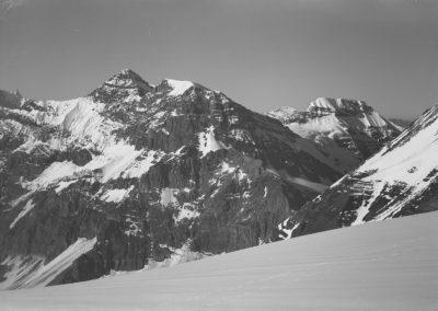 Vue sur la Tour-Salière et le Mont-Ruan. Photographie datée du 30 juillet 1922 © Fonds Boissonnas, Bibliothèque de Genève
