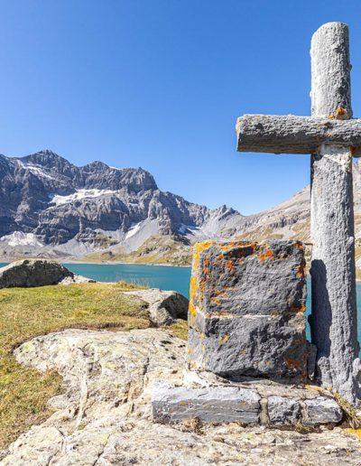 """La croix """"Barthélemy"""" à Salanfe. © Fabrice Ducrest"""