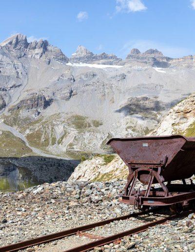 Le minerai était sorti des galeries à l'aide de wagonnets poussés sur des rails. © Fabrice Ducrest © Fabrice Ducrest