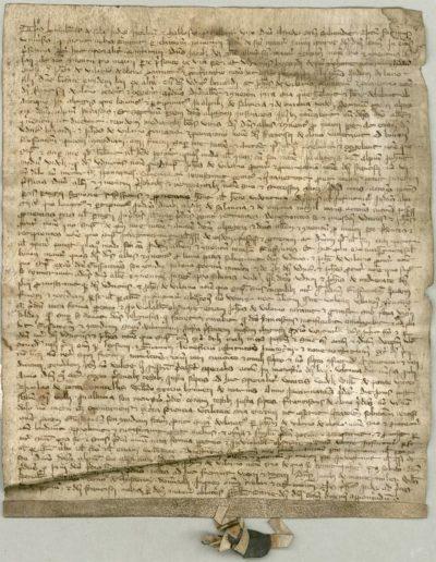 Première mention de Salanfe (Salance). Le terme de Salanfe apparaît à la huitième ligne, plutôt vers la fin, et à la ligne 18 à peu près au même endroit. © Archives de l'Abbaye de Saint-Maurice